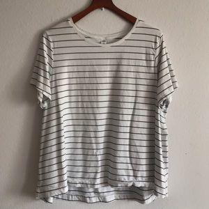 Super soft Old Navy white black striped T-shirt